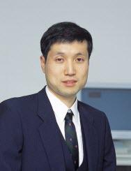 Yutaka Emura (江村豐)